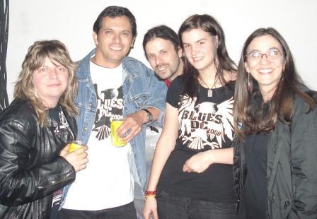Con The Pack A.D., Gabriel Grätzer y mi esposa (Bogotá, 9 de noviembre de 2008)